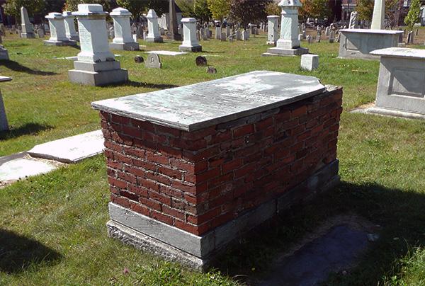 box tomb monument